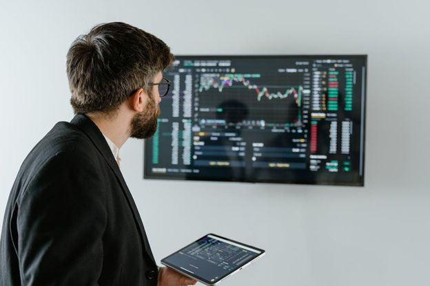Tips_for_Maximizing_Your_Earnings_on_Crypto_Fantasy_Trading.jpg